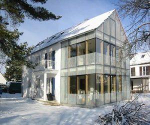 Durch einen Hausanbau wird ein Mehrgenerationenhaus geschaffen.